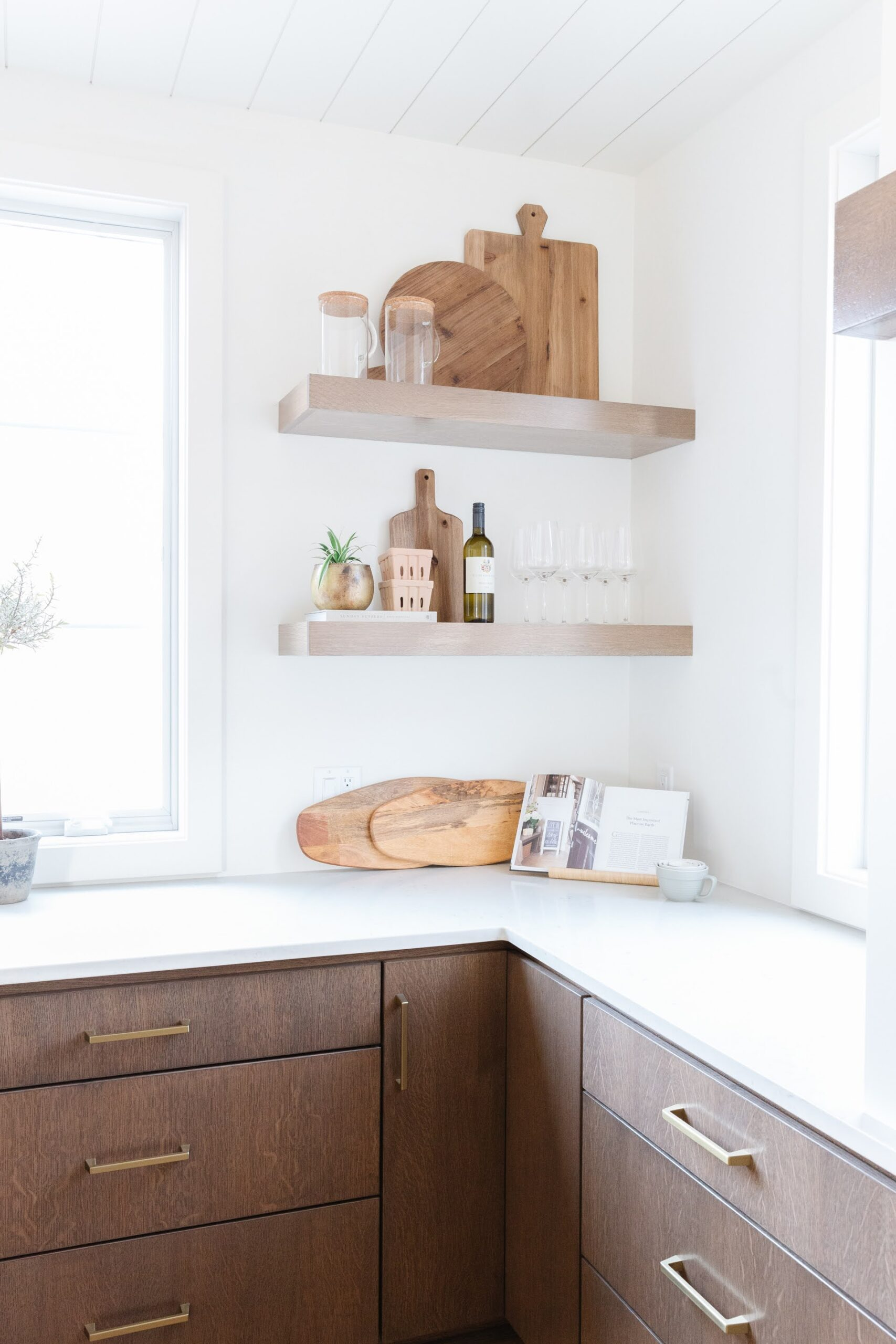HOW TO STYLE KITCHEN OPEN SHELVES